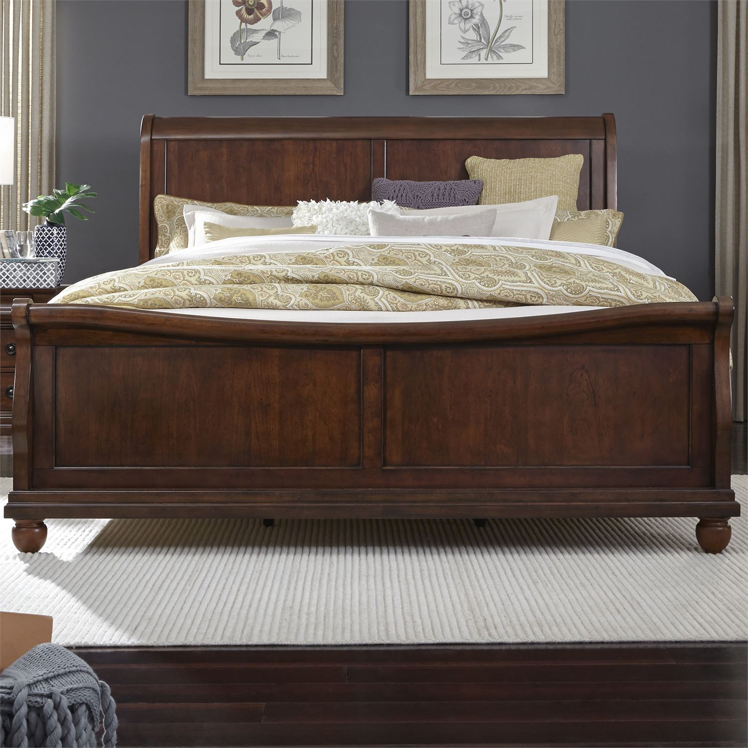 Queen Sleigh Footboard Bed